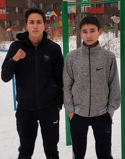 Alexander (Right) with his older brother.
