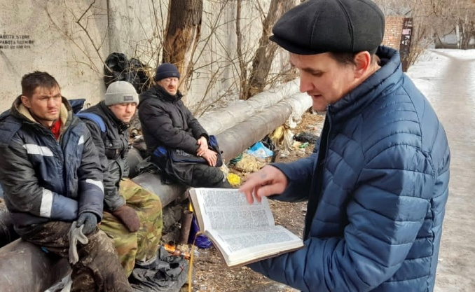 Yevgeny came to Christ through a rehab center. Now he ministers to homeless men and women and shares with them the Gospel message that changed his life.
